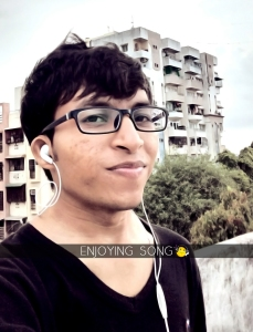 Jayesh Shrimali enjoying song